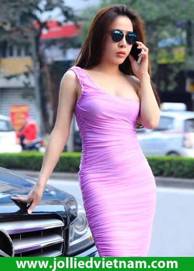Hot girl Linh Jollie diện váy đẹp khiêu khích