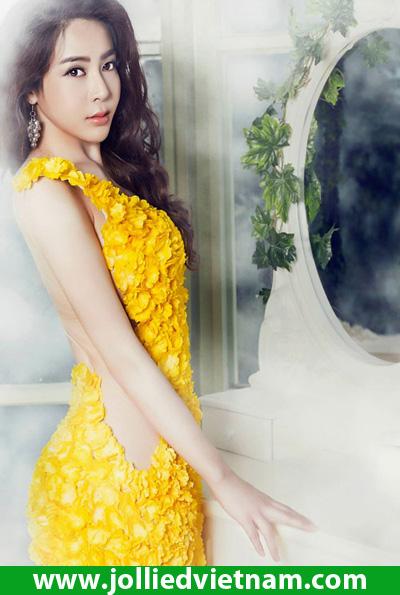 Trị mụn cùng Hot Girl Linh Jollie